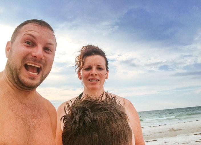 family at beach, moss image, chris moss, cuba